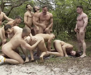 22:31 , GREAT Outdoor Orgy