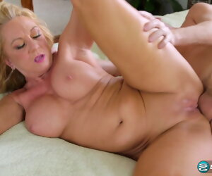 20:41 , 50 Year Old Sex Bomb Loves Anal
