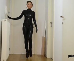 21:05 , Julie Skyhigh masturbates in latex