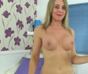 6:15 , Mature super sexy ma with amazing body