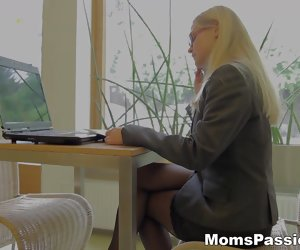 12:59 , Mom Ass Bar Blow Bra Milf