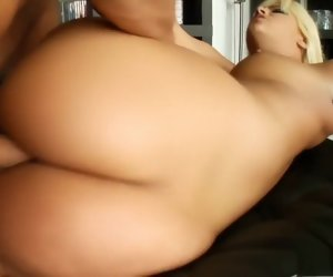 14:00 , Alluring blonde with sexy long limbs Defrancesca loves imprecise anal sex